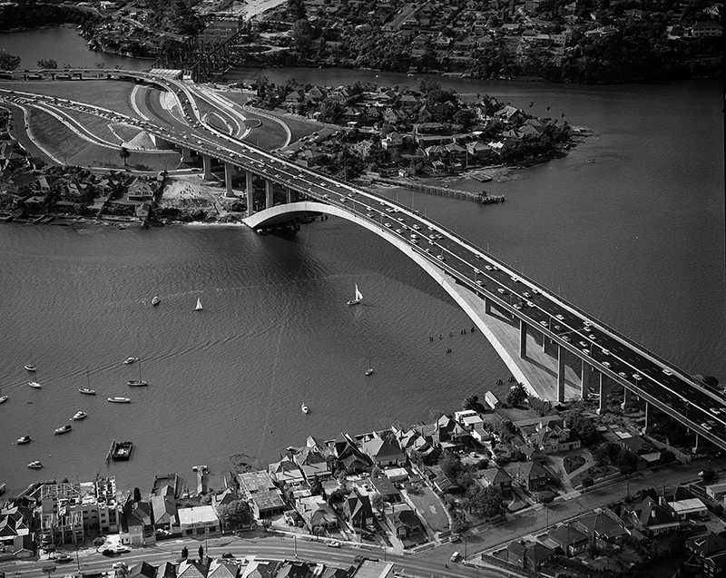Aerial view of the bridge shortly after construction was completed.