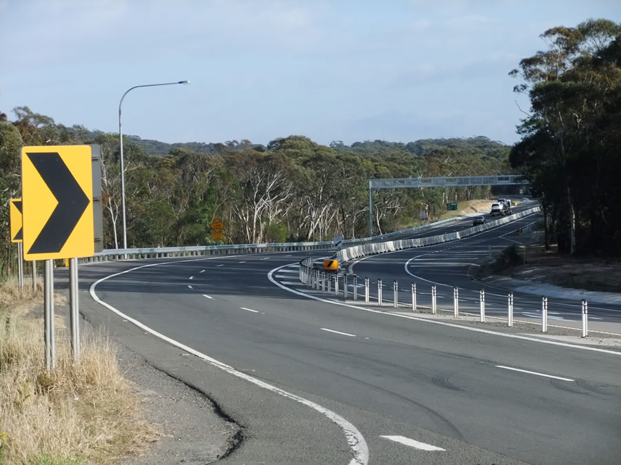 Mt Keira Rd Intersection and Reverse Curves - Stage 1 completed