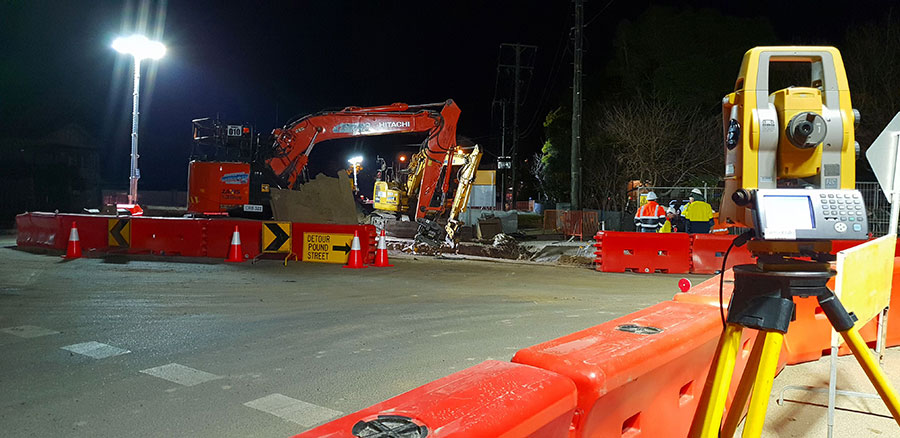 Stormwater main works underway on Pound Street at night (August 2018)
