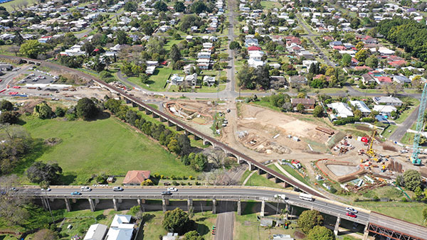 Aerial view of earthworks progressing on the north side of the new Grafton bridge (October 2018)