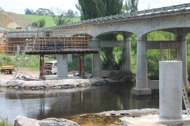 New bridge underway