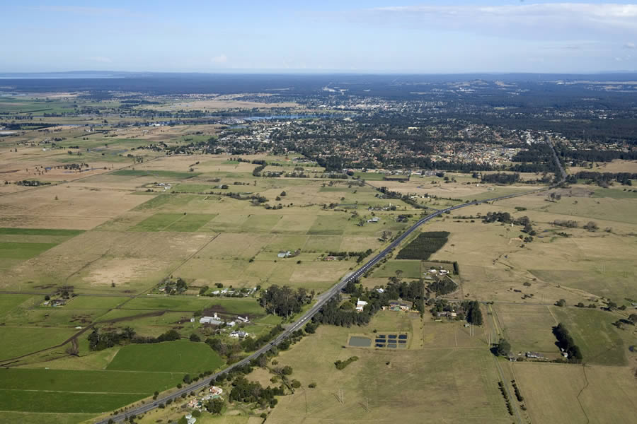 Aerial photograph Meroo Meadow / Bomaderry [Jan 2007]