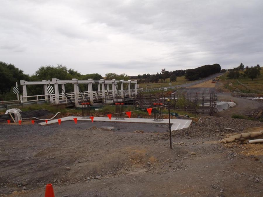 Looking towards abutment piles and mass concrete layer on Crookwell approach [Dec 2013]