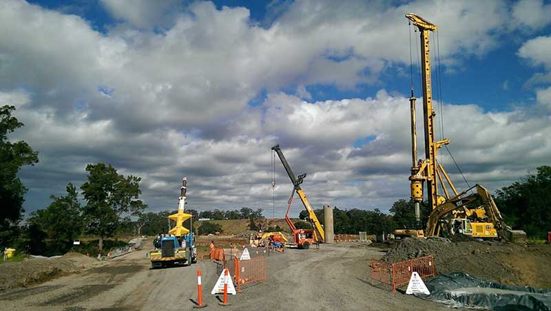 Piling rig at one of the future bridge crossings over Broughton Creek - May 2015