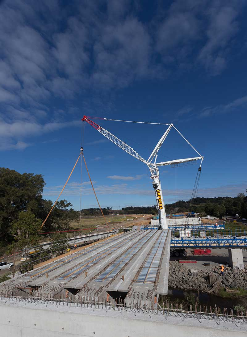 The 500 tonne crane which is placing the super T girders on Broughton Creek Bridge site number 1 (July 2015)