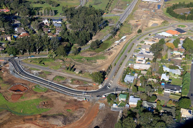 Aerial view of the recently opened temporary road next to the existing Kangaroo Valley Road looking south - June 2015