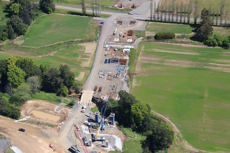 Placing concrete in the bridge columns for the Berry bridge - September 2015
