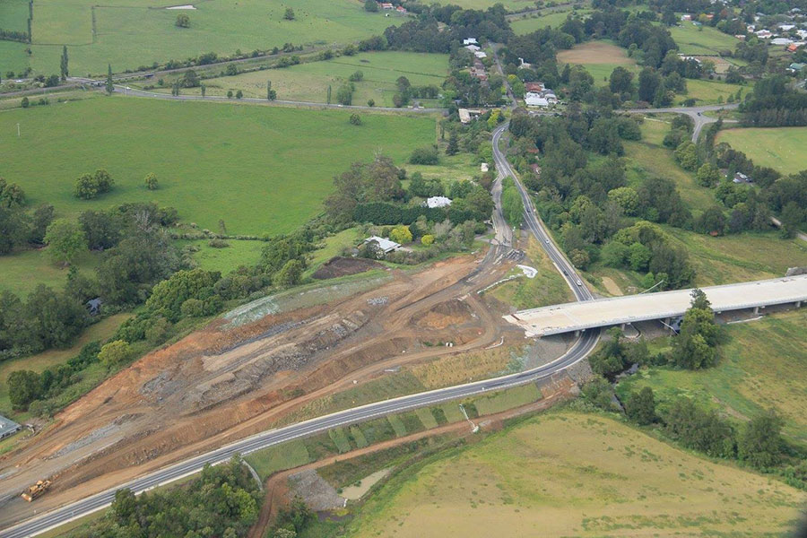 Earthworks underway for the off load ramp to Berry and new highway lanes - October 2016
