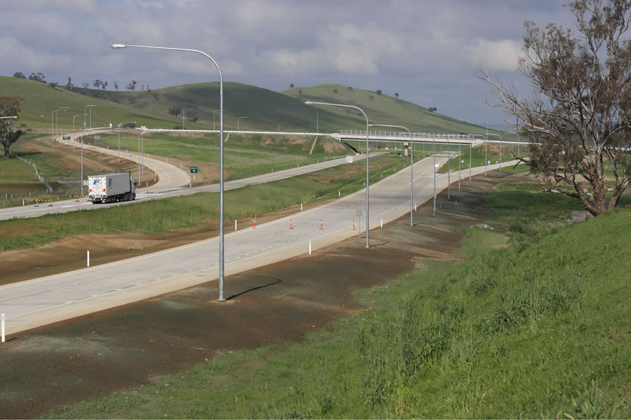 Completed Coolac Bypass on the Hume Highway. Taken after opening. [Aug 2009]