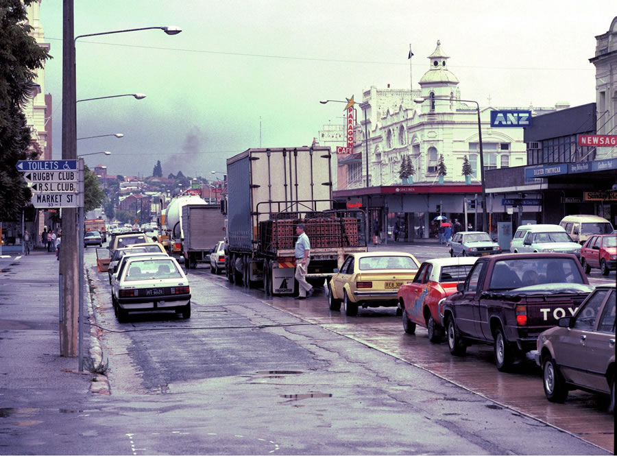 Trucks, traffic and pedestrians in Goulburn when the highway ran through the town. Taken the day bef