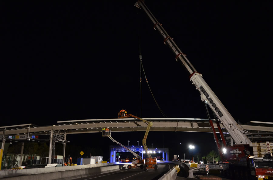 Toll plaza canopy removal [May 2012]