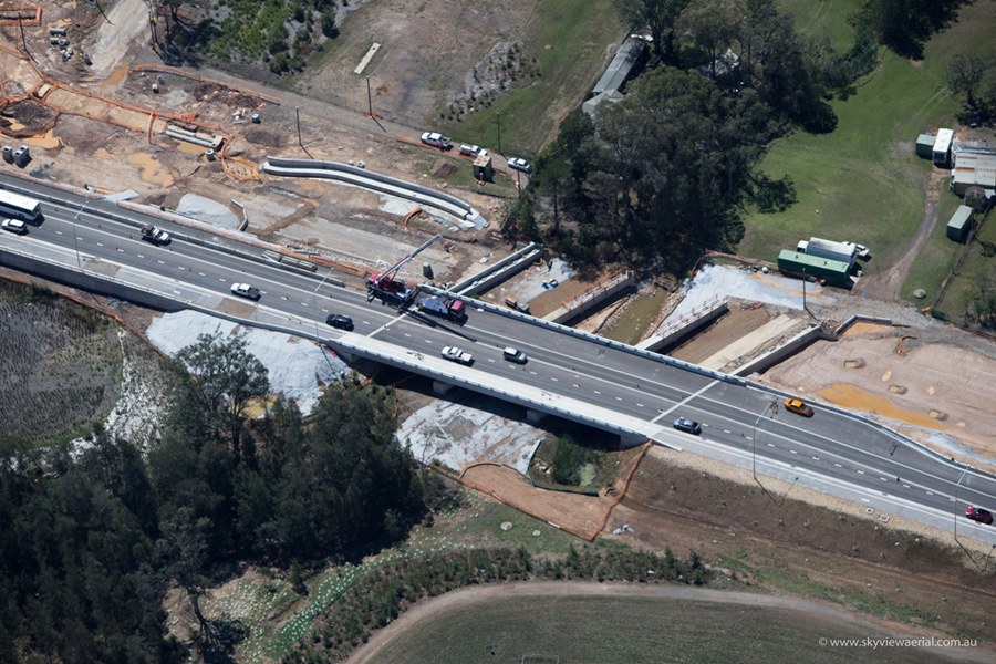 Construction of eastbound bridge and completed westbound bridge [Nov 2013]