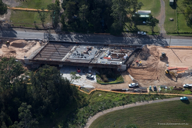 Deck placement for westbound bridge over Second Ponds Creek [May 2013]