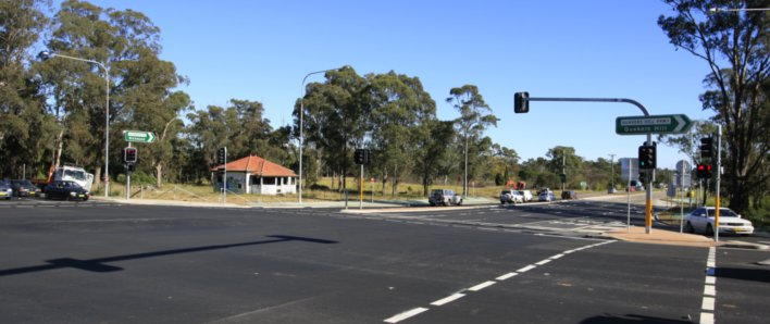 Intersection at Richmond Road and Knox Road