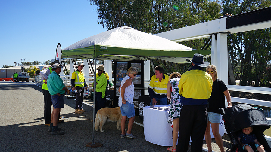 Community members at Barham Koondrook Bridge 2018 Christmas festival