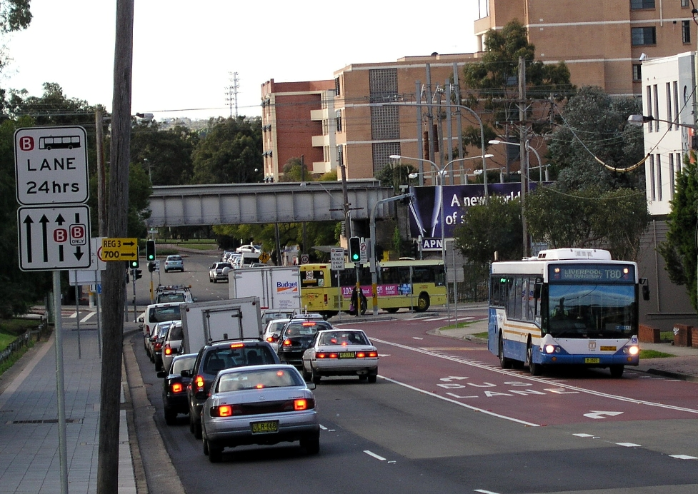 Contra-flow bus lane in Pitt Street, Parramatta