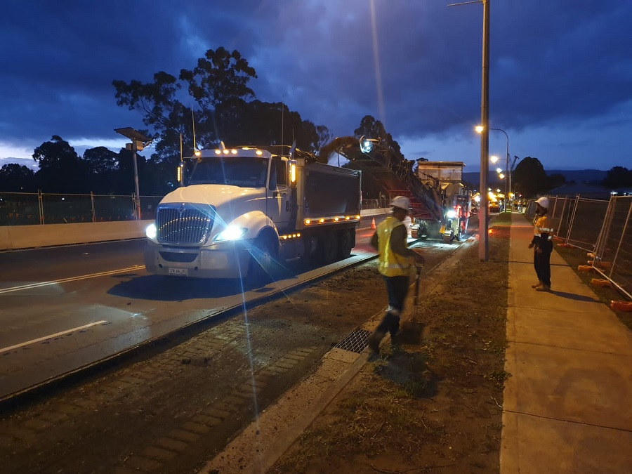 Night work on the Princes Highway - December 2020