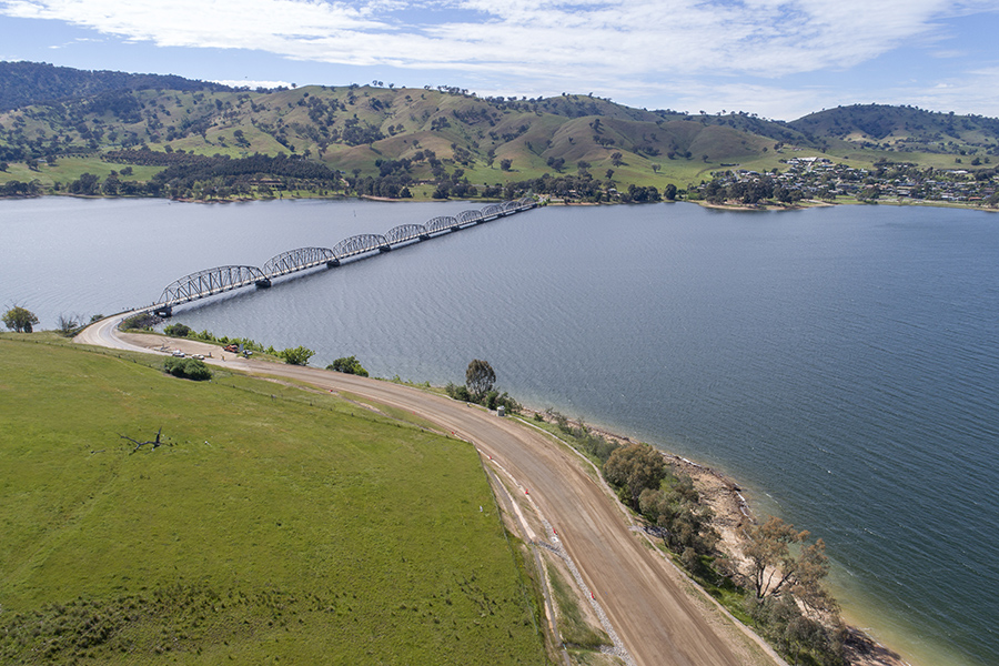 Construction works during stage two work between Lake Hume Village and Bethanga Bridge