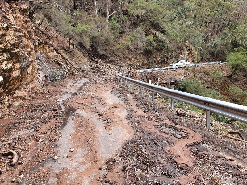 Jenolan Caves Road recovery clean up after fires and floods (Before)