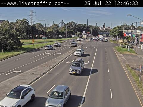 Five Islands Road at Springhill Road Looking south-east towards Warilla.