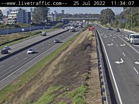 Webcam at M4 Western Motorway at Cumberland Highway Mays Hill