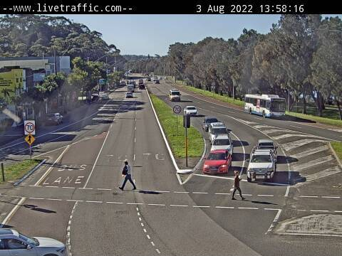 Webcam at Pittwater Road at Wakehurst Parkway Narrabeen
